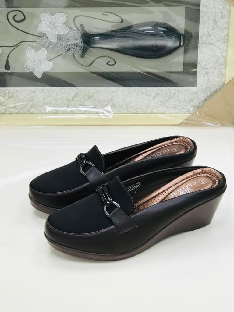 Half-cover Clowse shoes